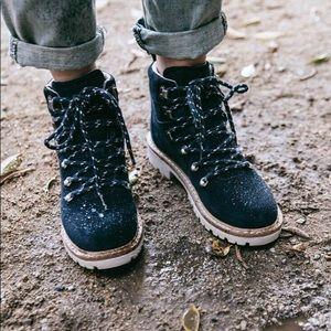Toms Waterproof Navy Suede Women's Summit Boots